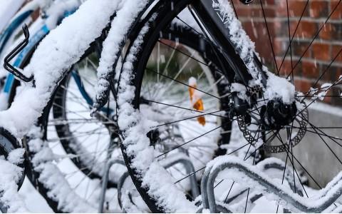 Какво трябва да знаете, когато карате колело през зимата?